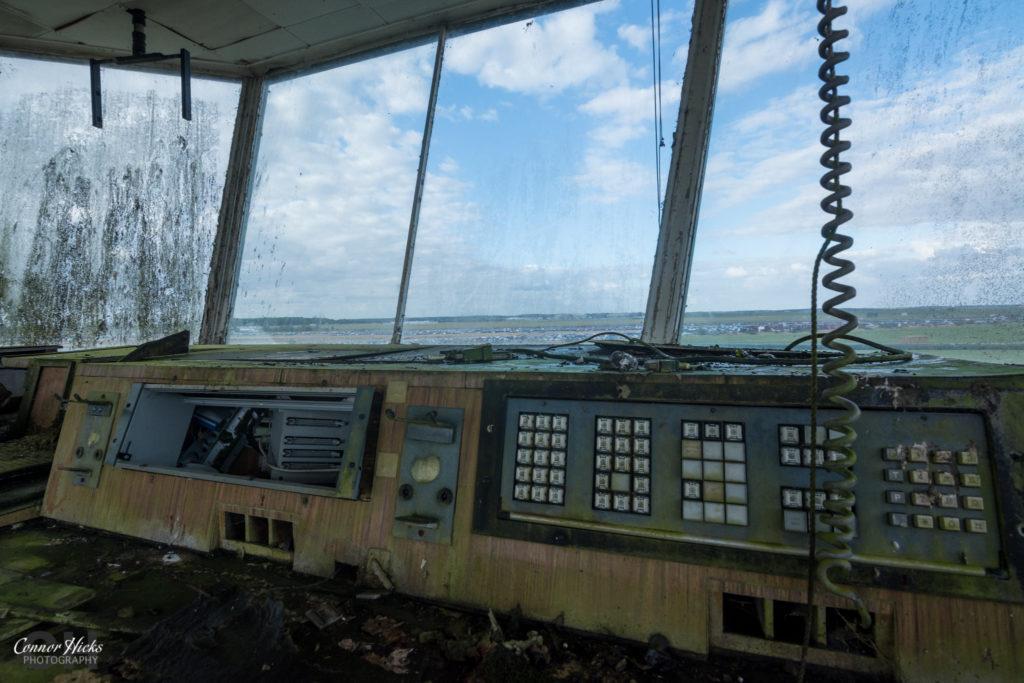 rae bedford urbex airfield control tower 1024x683 RAE Bedford