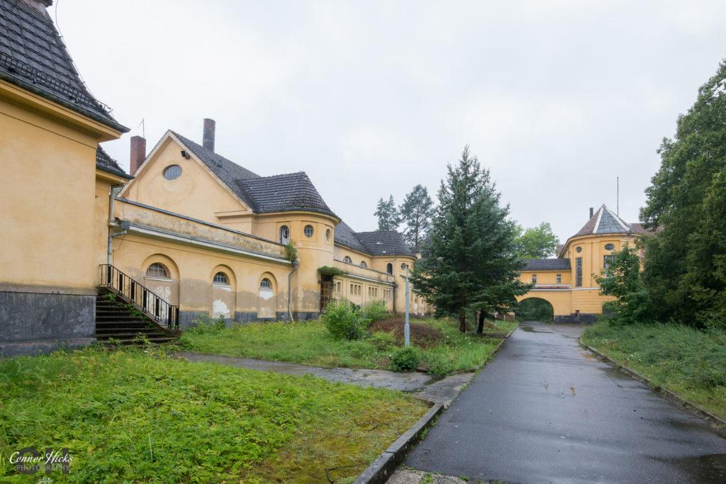 Haus Der Offiziere germany urbex external 1024x683 Haus Der Offiziere, Germany (Permission Visit)
