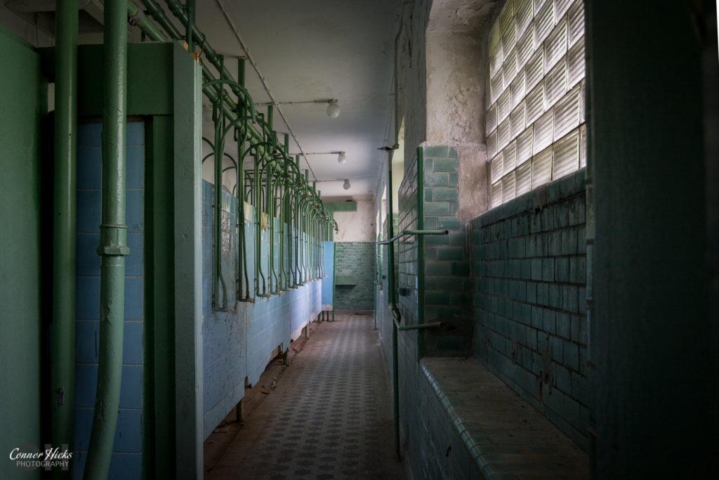 Haus Der Offiziere showers germany urbex 1024x683 Haus Der Offiziere, Germany (Permission Visit)