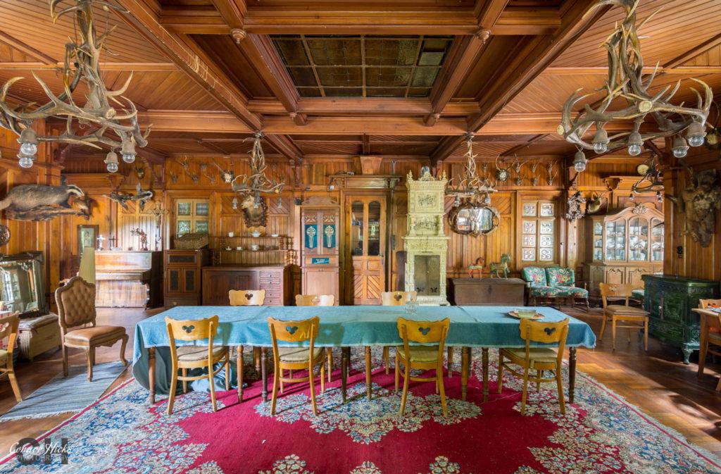dining trophy room hunters hotel germany urbex 1024x673 Hunters Hotel, Germany (Permission Visit)