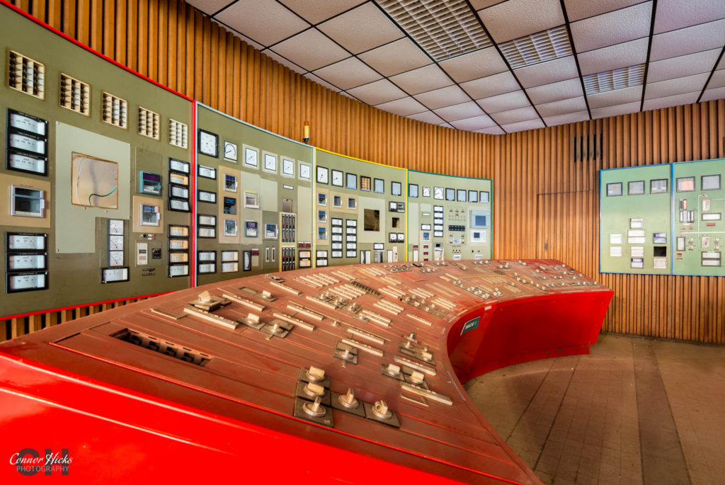power station france red urbex 1024x685 Red control room, France