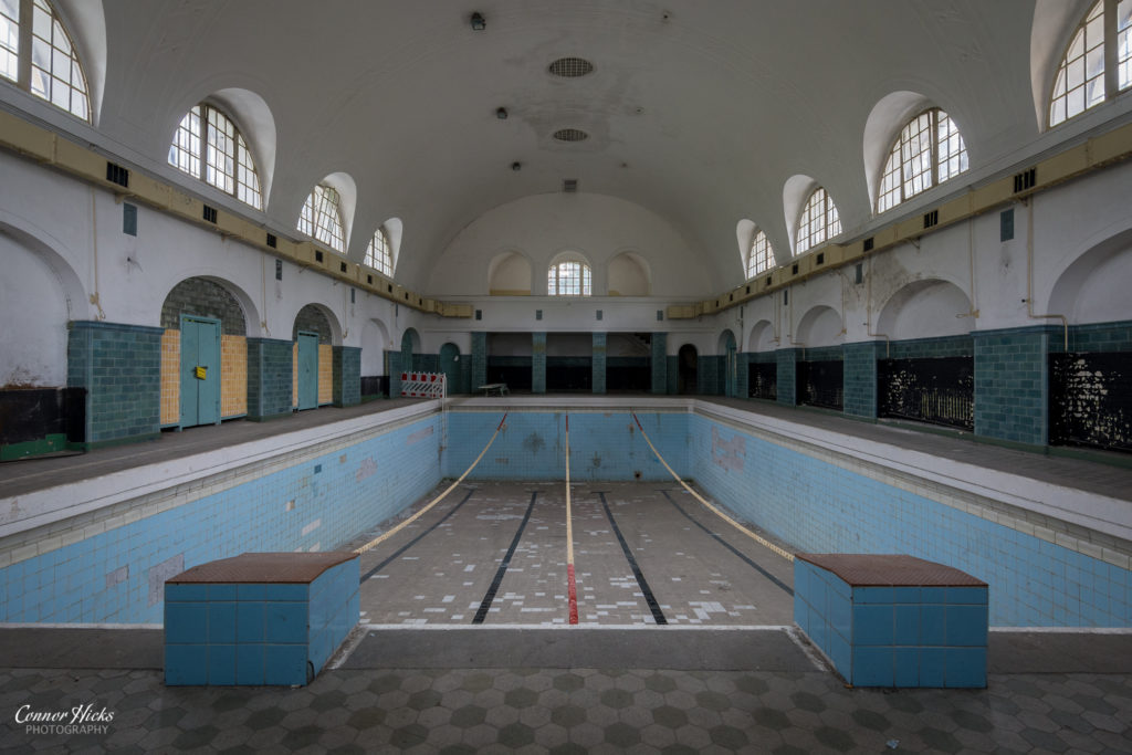 swimming pool urbex Haus Der Offiziere 1024x683 Haus Der Offiziere, Germany (Permission Visit)